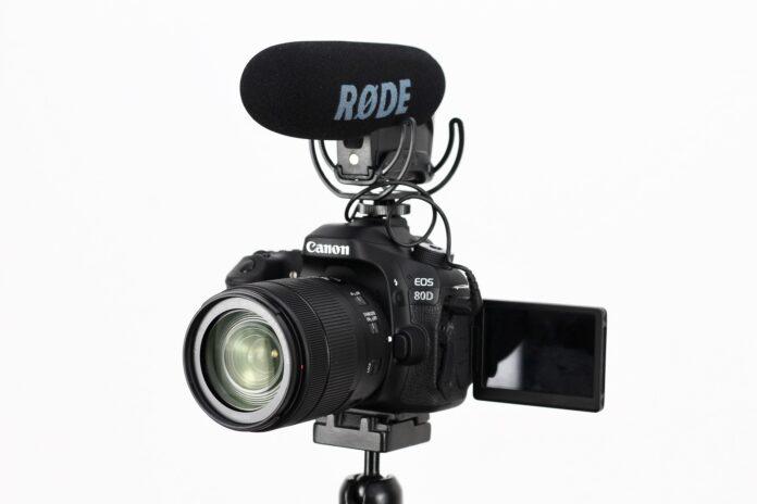 カメラ Vlog YouTube 企業